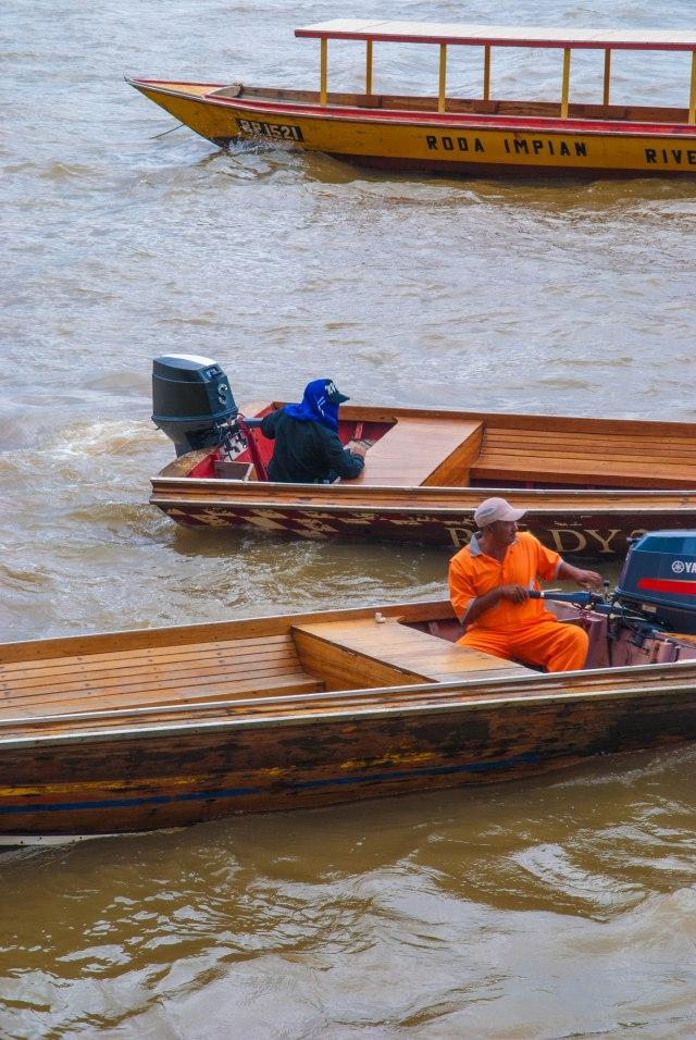 Water Taxis Await, Bandar